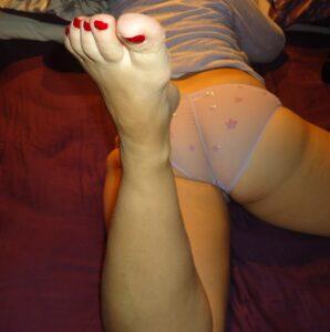 Ovo su noge moje mame, zelim da mi pisete sta bi im radili ..