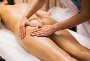 erotska lezbo masaža