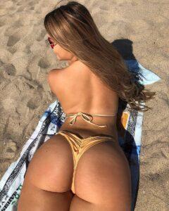 ćerka u sexy bikiniju
